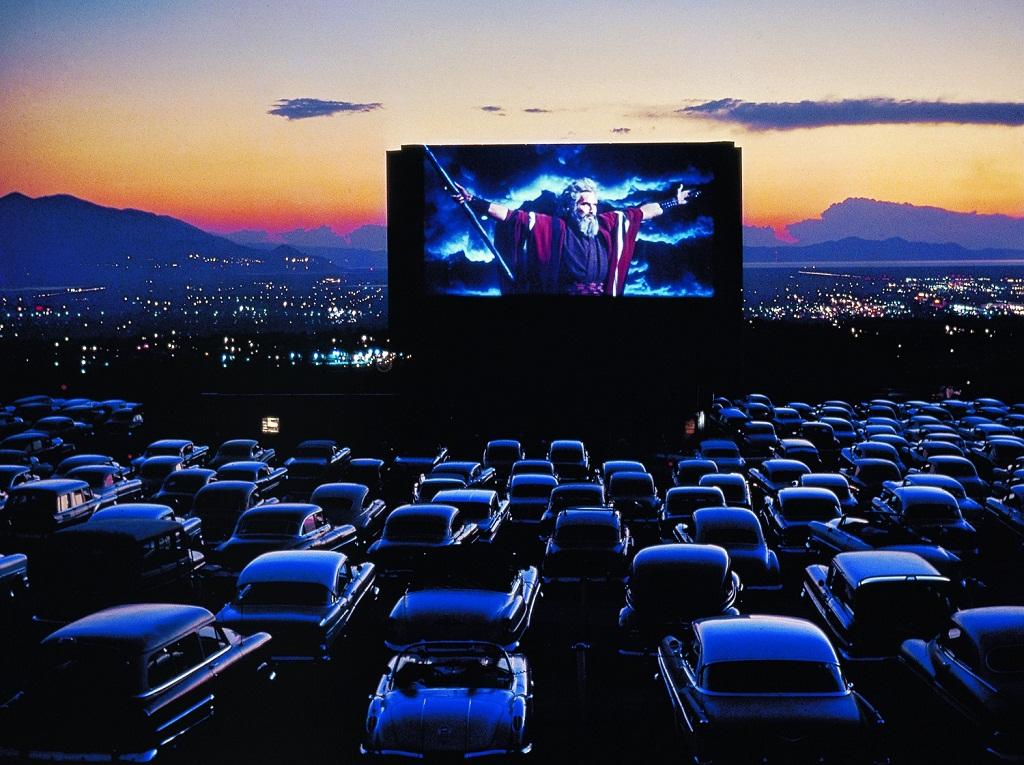 Кинотеатр под открытым небом-сезонный бизнес