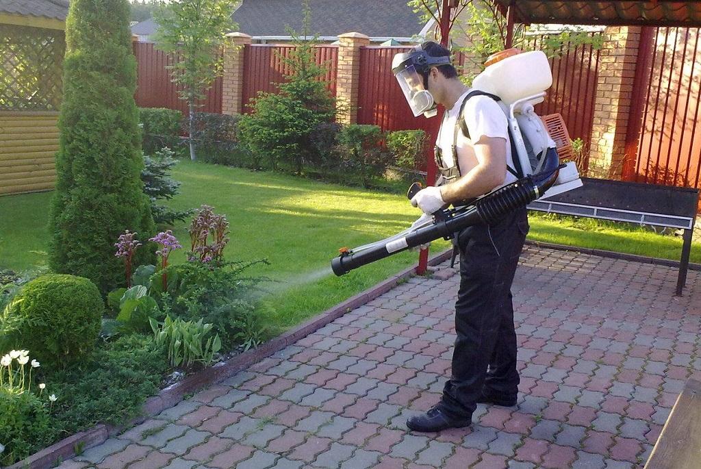 Погодинні послуги садівника