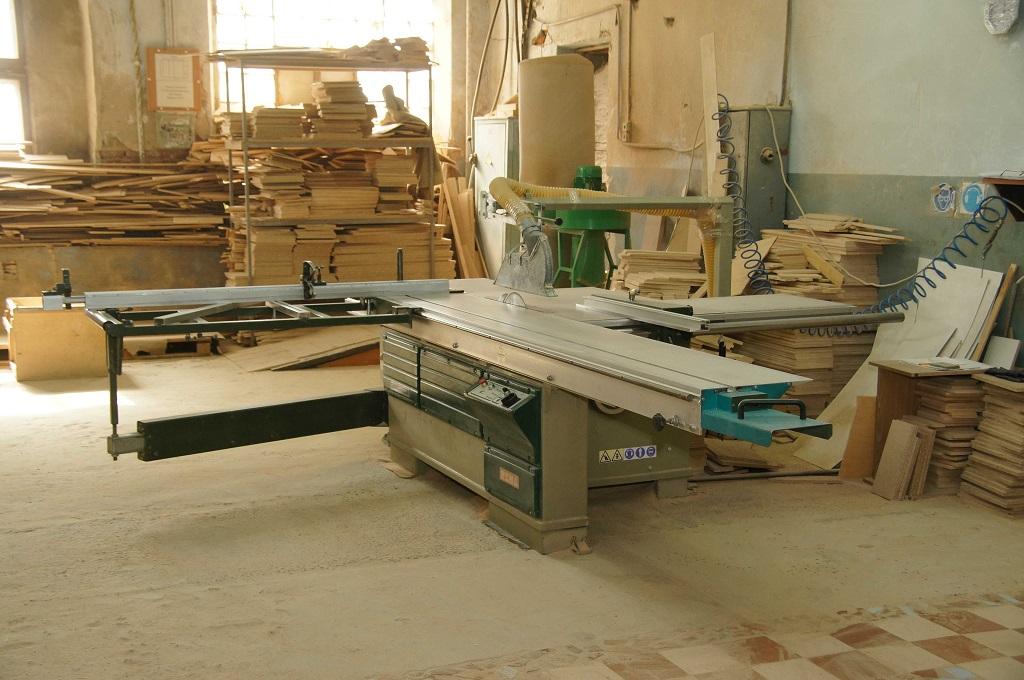 Виробництво меблів в гаражі