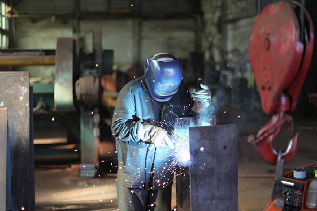 плюси і мінуси виробництва металоконструкцій