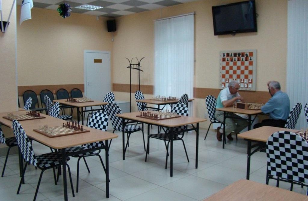 шаховий клуб набуваємо інвентар