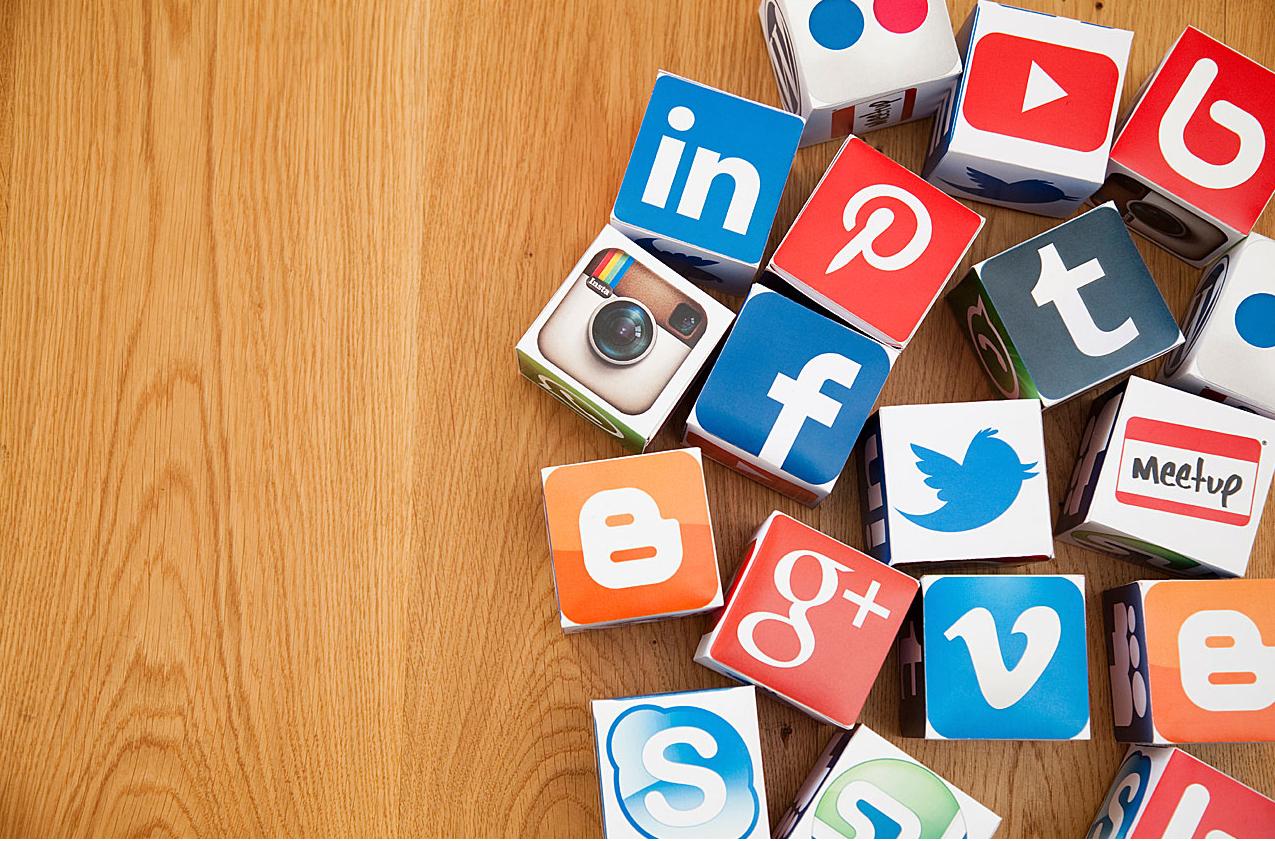 плюсы и минусы групп и пабликов в социальной сети