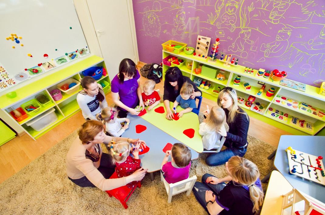 Как организовать открытие центра досуга мам с детьми