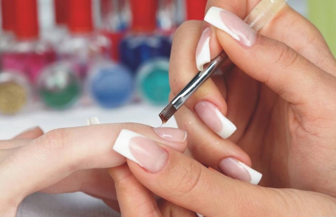 бизнес-идея наращивания ногтей на дому