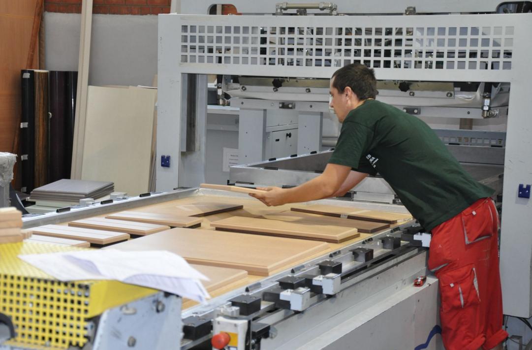 як почати виробництво меблів