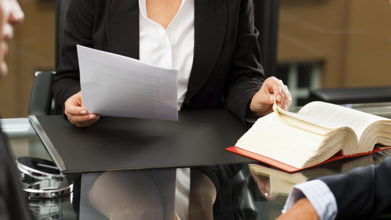 Как организовать бизнес на открытии адвокатской конторы