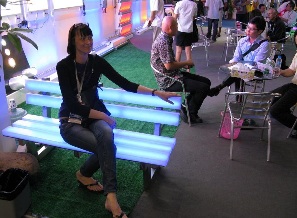 как организовать бизнес по производству светящихся скамеек