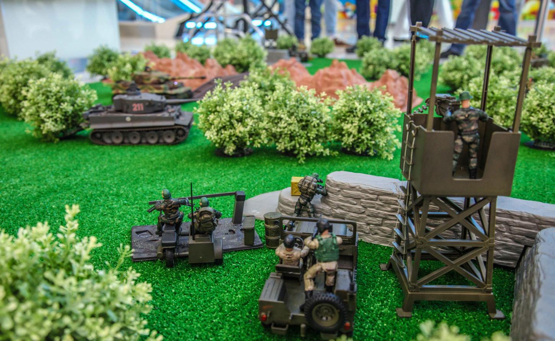Как организовать бизнес на боях радиоуправляемых танков