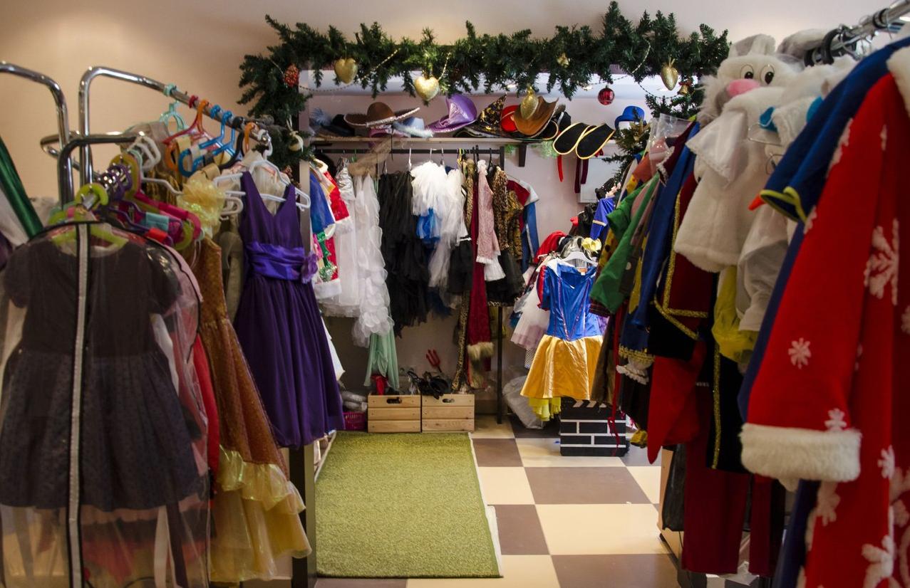 Как организовать бизнес по прокату костюмов