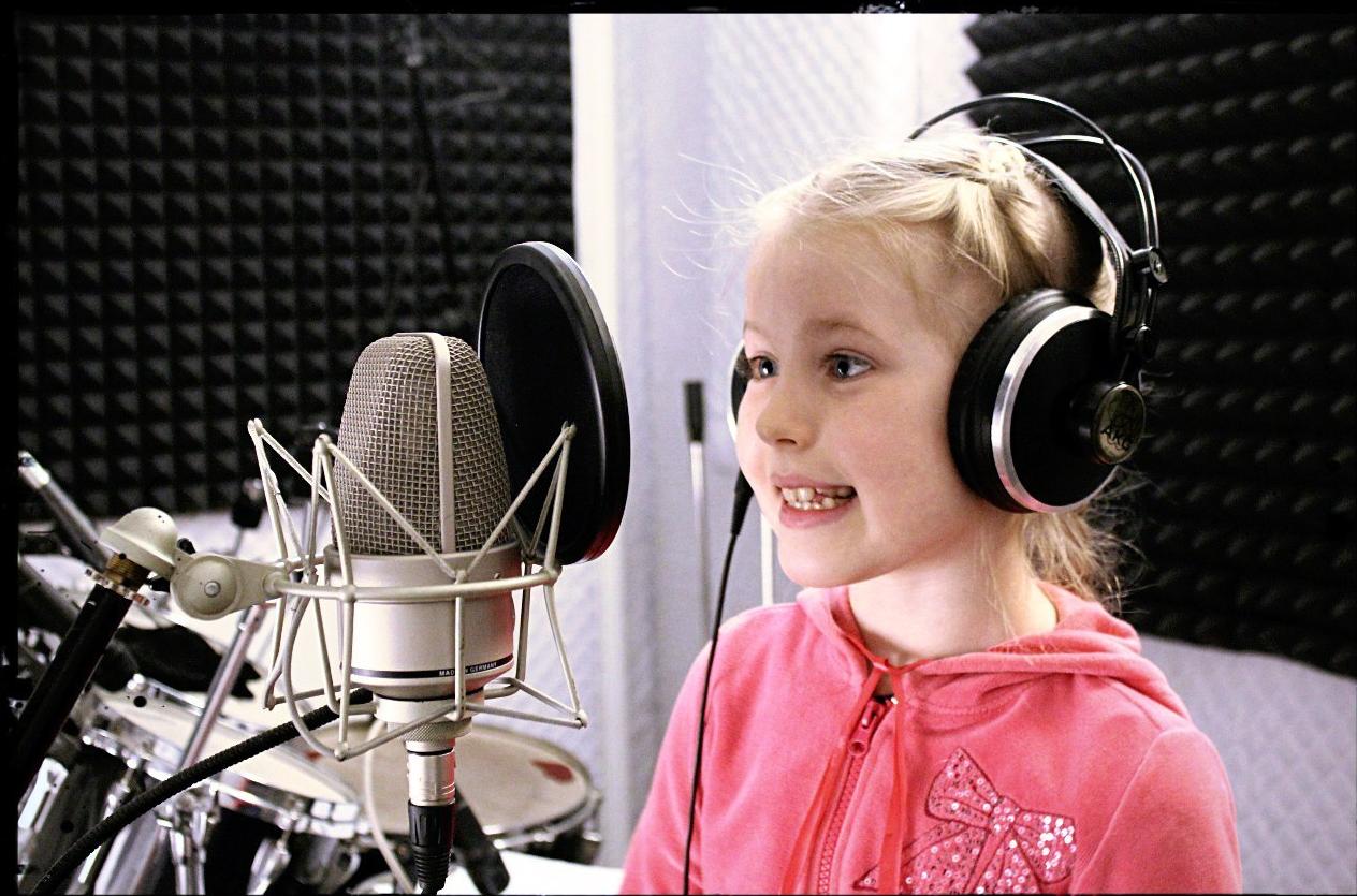 Как организовать бизнес на открытии детской студии вокала