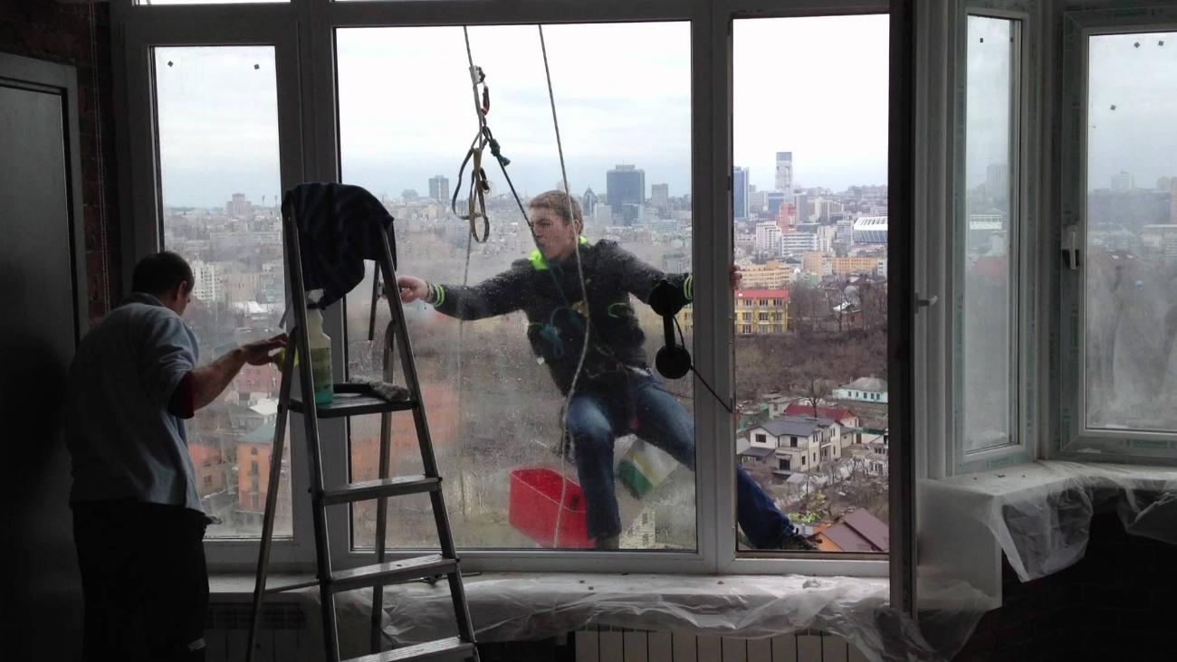 Бизнес-идея открытия мойки окон альпинистами