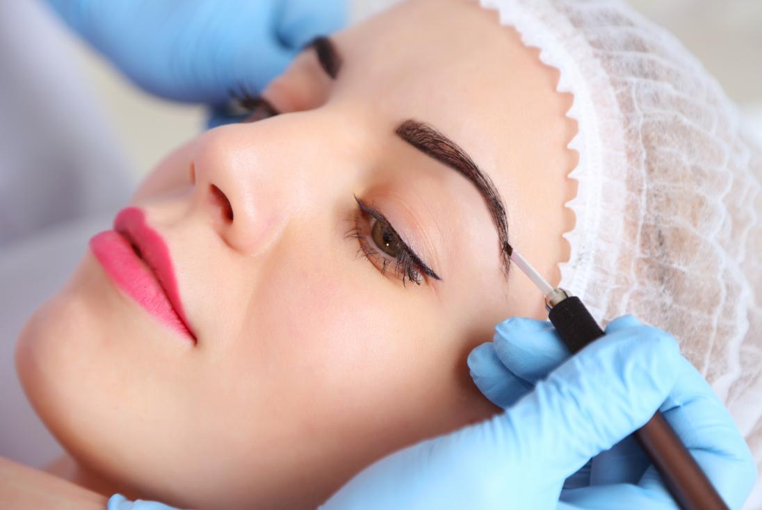 Как организовать бизнес на открытии салона перманентного макияжа