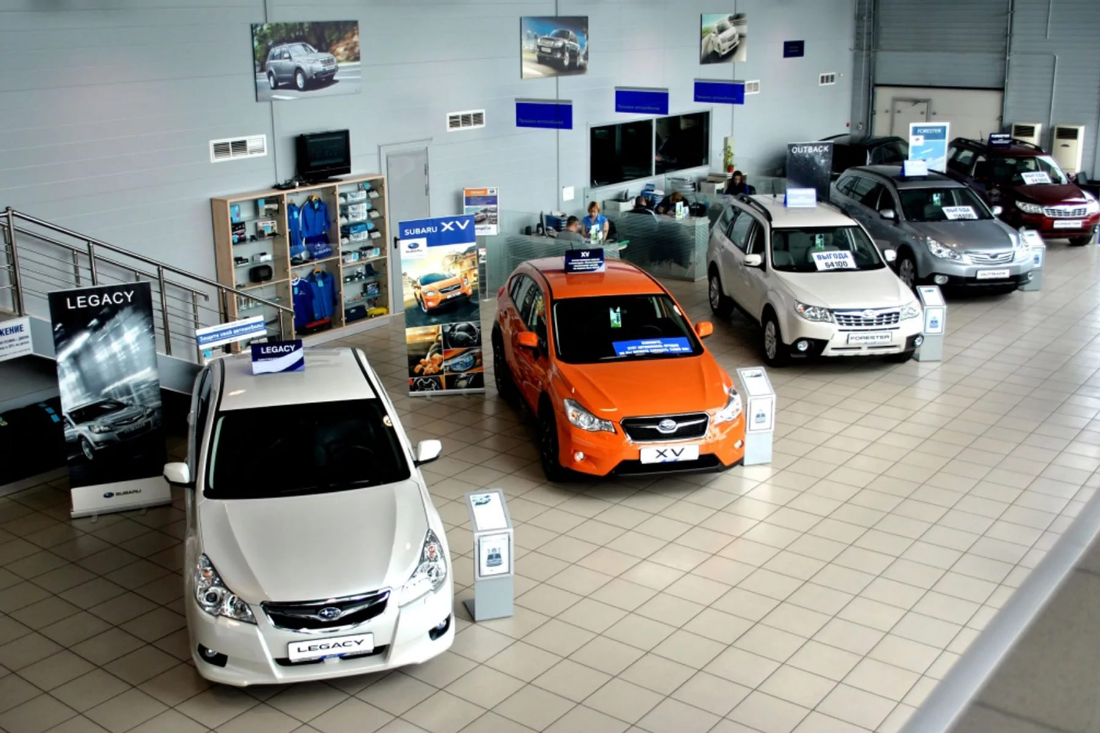 Новичку в бизнесе на открытии автосалона