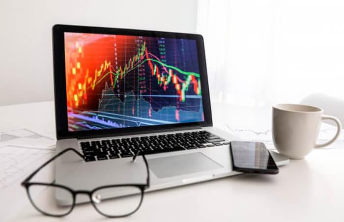Как инвестировать деньги в интернете